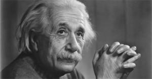 ألبرت آينشتين