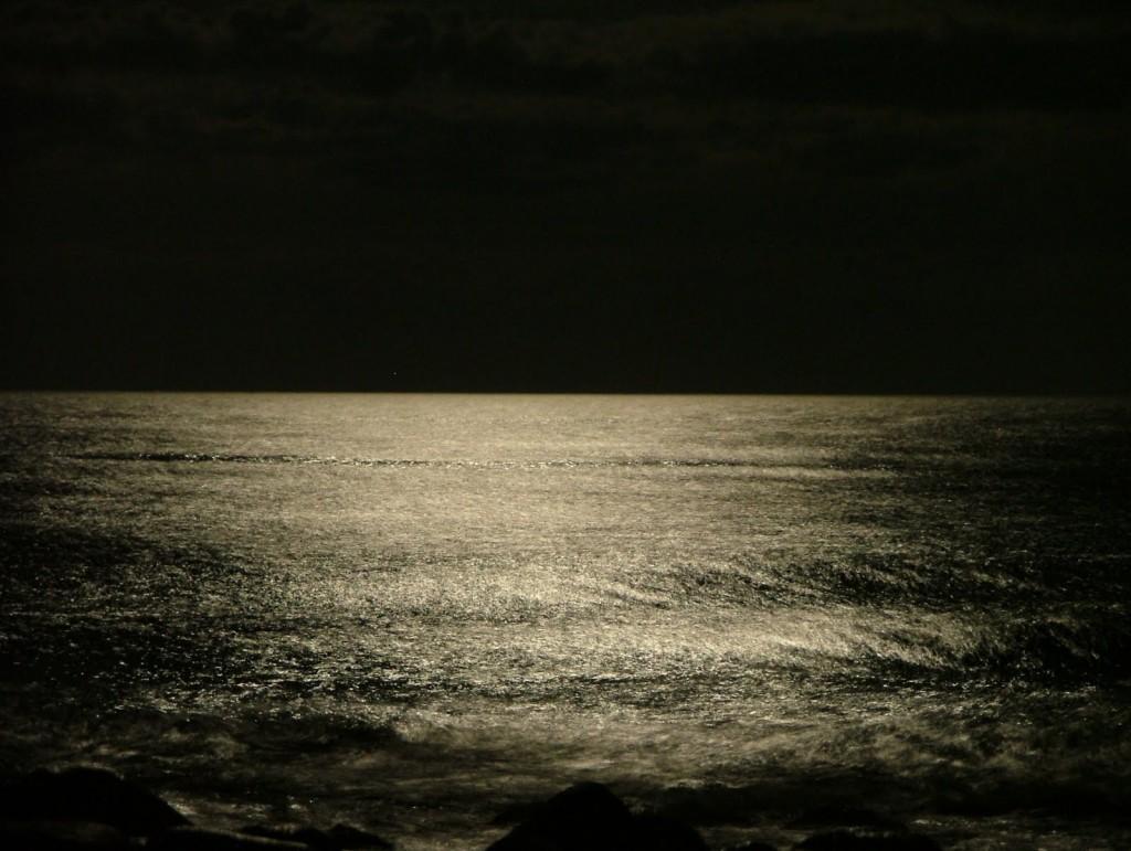 ظلمات البحار كقلوب المعاندين.. لا ترى النور!