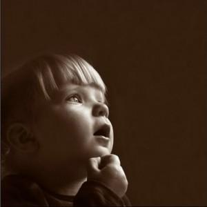 طفل يفكر