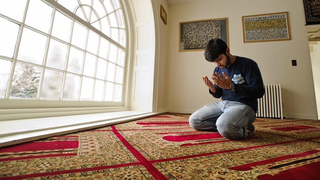 تشكو قسوة القلب.. أقبل على الله في الصلاة (2-1)